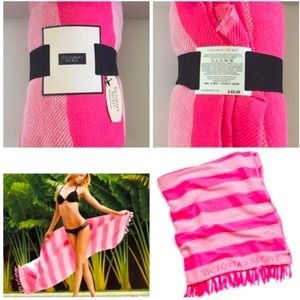 NWT Pink Victoria's Secret Logo Blanket/ Throw